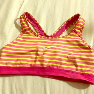 NIKE DRI FIT ATHLETIC WORKOUT BRA IN SIZE M